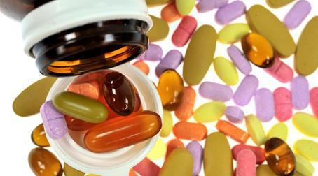 витамины комплексные, в состав которых входят витамины А, В1, В6, В12, С, D, Е
