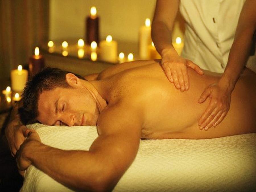 Как сделать мужчине массаж спины приятно видео