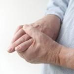 Что делать, когда болят суставы пальцев рук