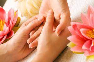 массаж лучезапястного сустава