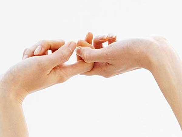 хруст суставов пальцев вредно