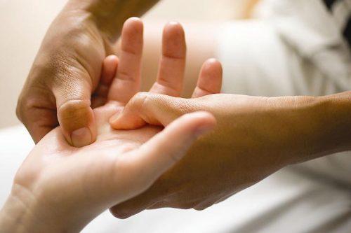 Лечебный массаж при ревматоидном артрите