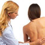 Чем опасен ювенильный остеохондроз?